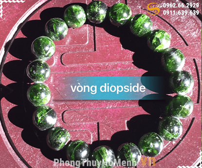 vong tay da diopside